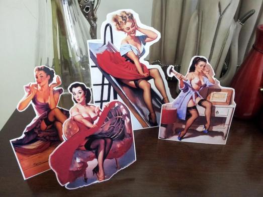Display Pin Up